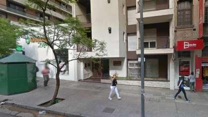 El edificio donde se encuentra el departamento de la víctima.