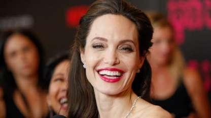 Se hizo 50 cirugías para ser igual a Angelina Jolie: así quedó