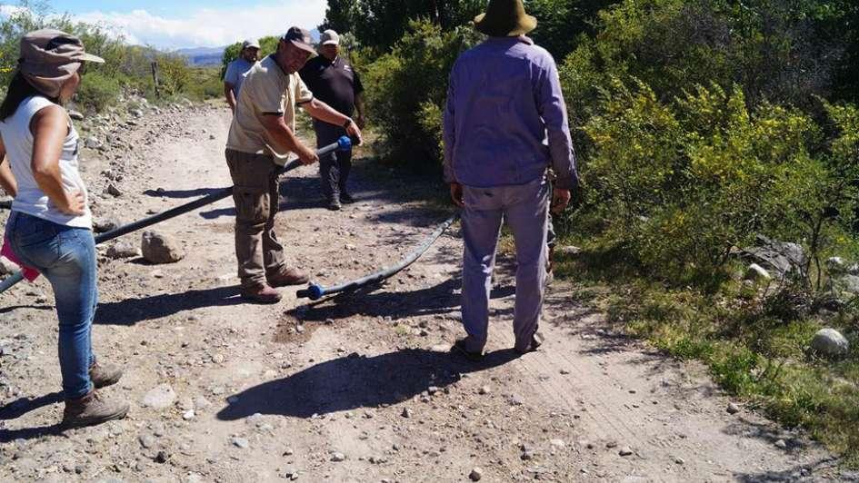 El INTA y la comuna llevan agua potable a puesteros sanrafaelinos