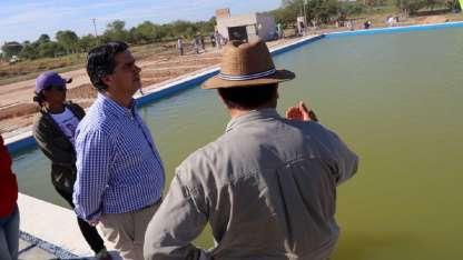 Capitanich inauguró una pileta y homenajeó a Santiago Maldonado