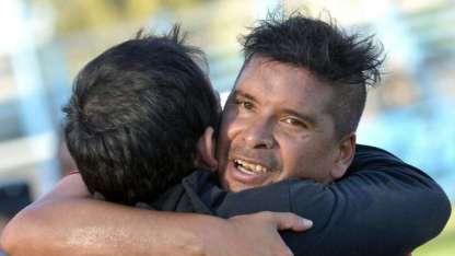 """""""Tito"""" Ramírez convirtió un gol de antología y el Globo sumó tres puntos de oro en la lucha por permanecer."""