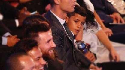 El hijo de Cristiano Ronaldo le dedicó un posteo de Instagram a Messi