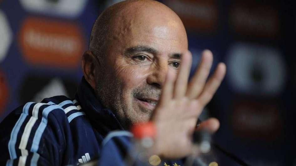 Sampaoli no se decide: ¿Línea de tres defensores o cuatro en el Mundial?