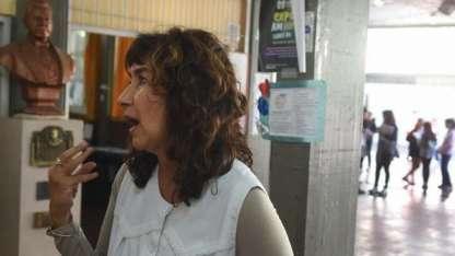 La directora de la escuela, molesta por la inseguridad.