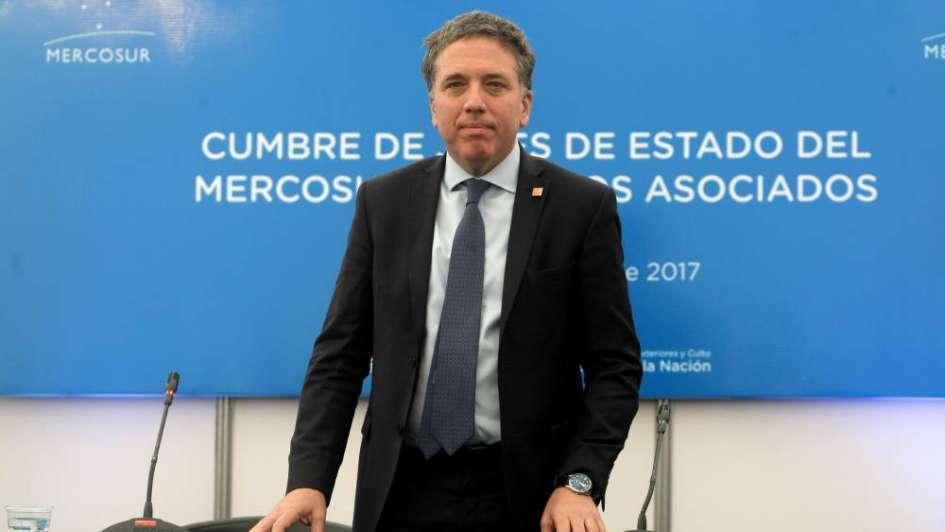 Gobernadores en alerta: Dujovne va por la eliminación total de Ingresos Brutos