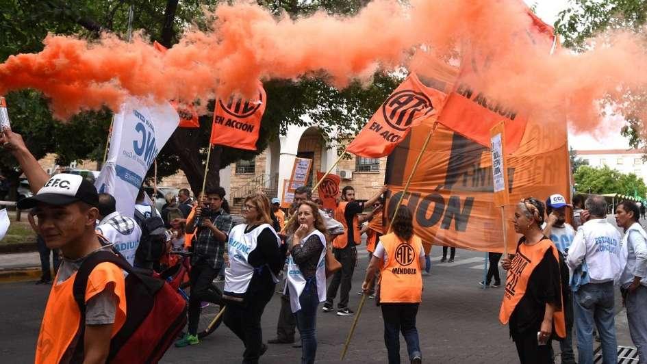Capital multó por $46.000 a los gremios que hoy cortaron calles del Centro