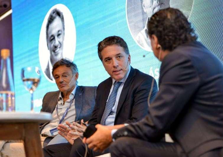 "Dujovne ya planifica la ""reforma tributaria 2"", sin ingresos brutos"