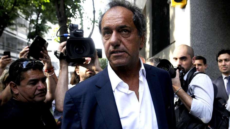 Allanaron dos inmobiliarias vinculadas a Daniel Scioli por presunta defraudación