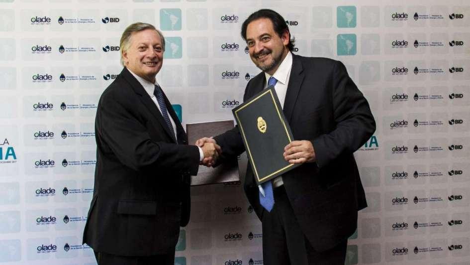 Argentina y Chile firmaron un nuevo acuerdo de integración energética