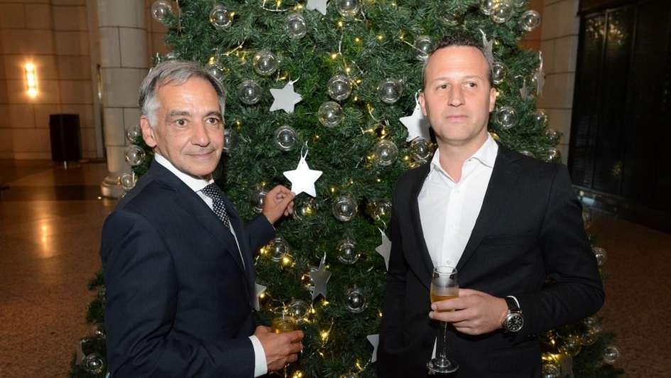 Campaña solidaria para Conin y Fundavita mediante un árbol de Navidad