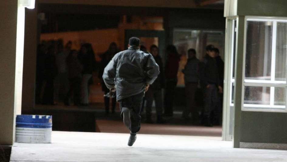 Presos de Almafuerte tomaron de rehenes a dos guardias