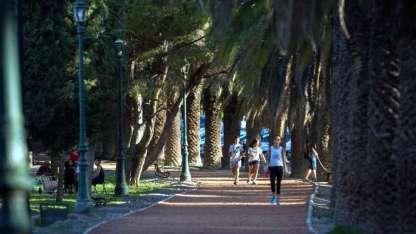 El mayor pulmón verde de la ciudad, ubicado a 1,5 km al Oeste del microcentro mendocino, cuenta con 400 hectáreas.