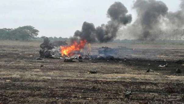 Avión de la FAE cayó en despoblado de la vía Durán-Boliche