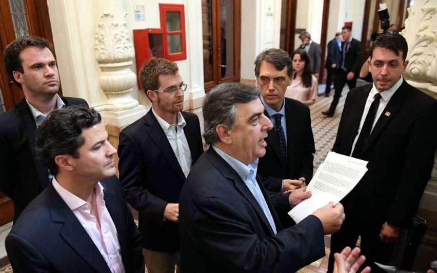 El Gobierno logró el apoyo para la reforma y habrá bono en marzo