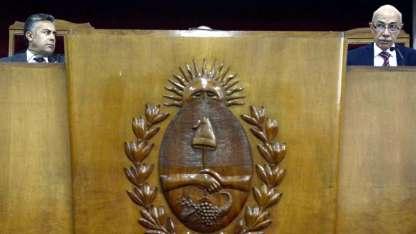 El gobernador Cornejo y el ministro de la Corte José Valerio, el día que asumió.