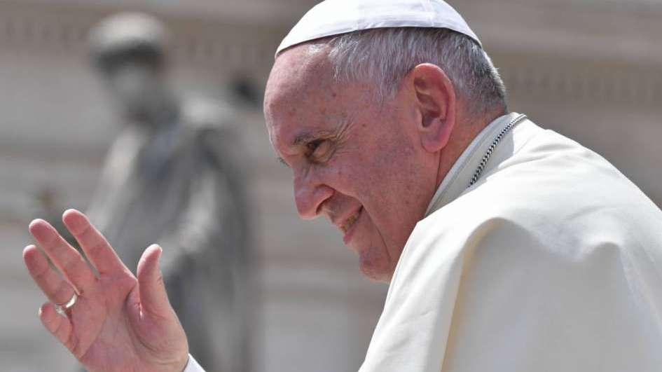 Papa pide regrese a Venezuela un
