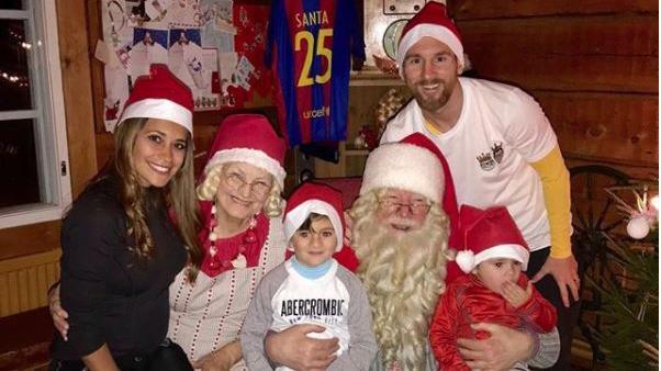Lionel Messi dedica mensaje navideño al lado de su esposa e hijos