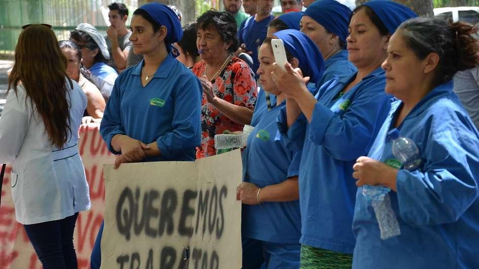 Trabajadores de La Colina en San Rafael reclamaron por sueldos adeudados e inactividad