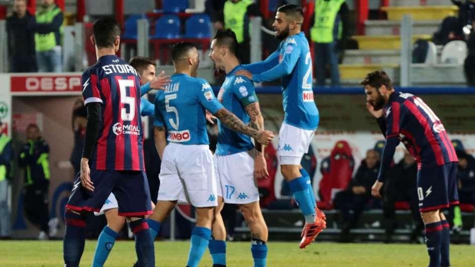 Nápoli cerró el 2017 como líder de la liga italiana