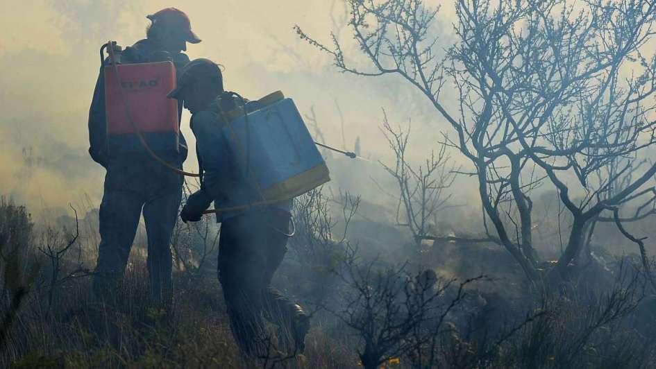 Más de 27.000 hectáreas de campo ardieron en el Sur y el fuego no se detiene