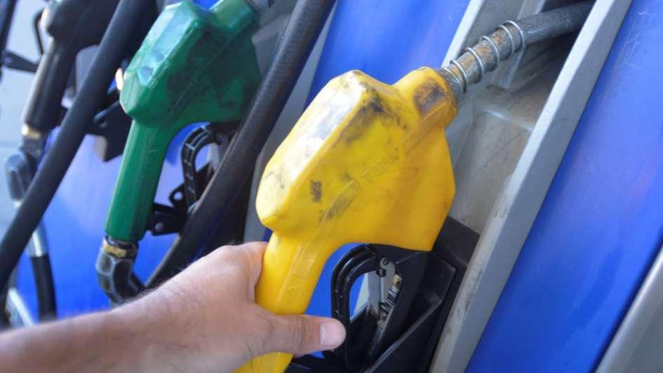 El inminente aumento de la nafta alcanzaría el 5%