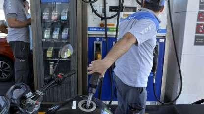 Los estacioneros aseguraron la suba es inminente, el precio del barril de petróleo presiona el alza.