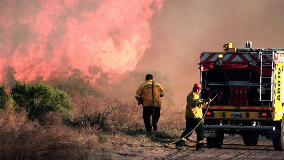 Agricultores se pronunciaron por avance de incendios en Mendoza — Argentina