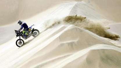 El mendocino en plena acción por las dunas peruanas.