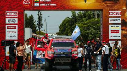 Lucio Álvarez se destacó en su vuelta al Dakar. El mendocino de Toyota, fue el piloto argentino mejor ubicado en coches.