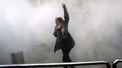 Protestas en la Universidad de Teherán. Un millar de manifestantes presos han dejado las protestas.