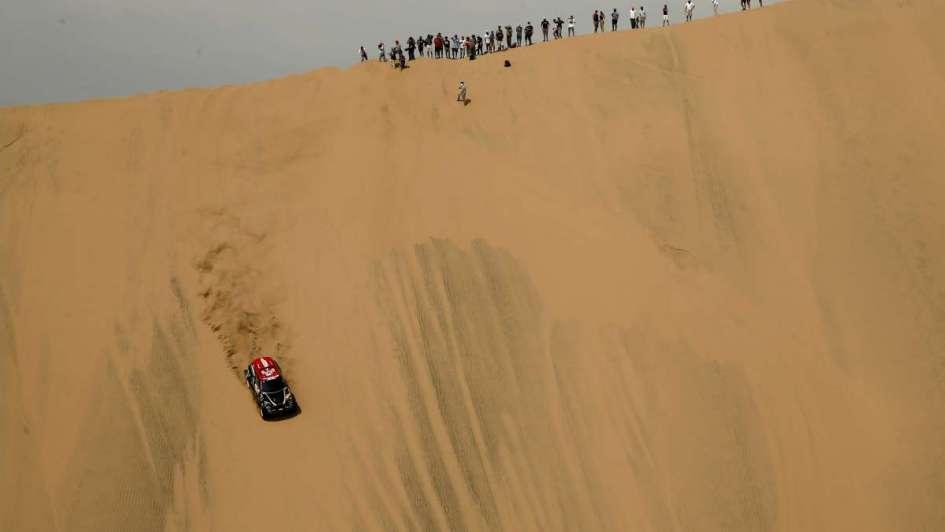 Loeb ganó la cuarta etapa en autos — Dakar