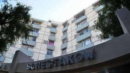 La niña quedó internada en el hospital Schestakow.