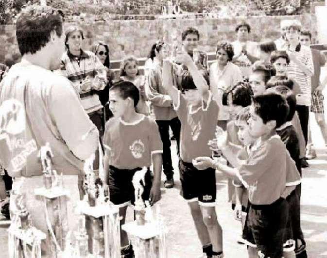 Un día como hoy de 1998: Godoy Cruz piensa en los todos los chicos