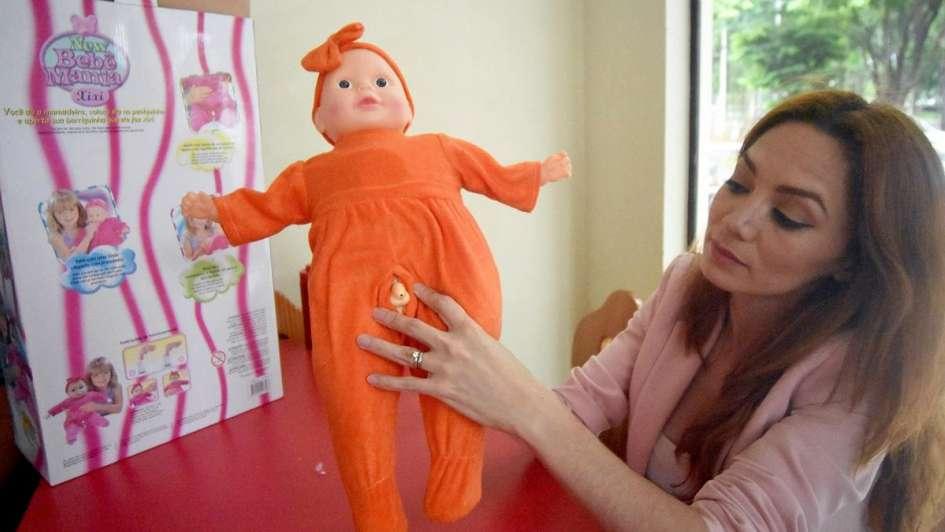 Decomisaron cientos de muñecas trans por tener pene — Paraguay