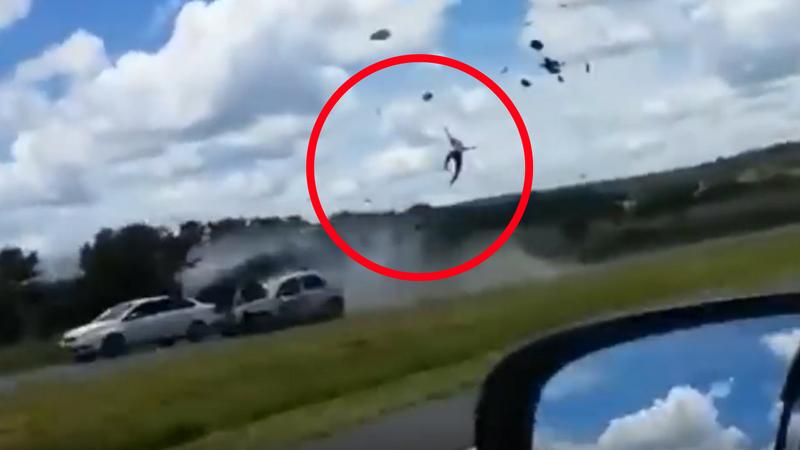 Video: un motociclista sufrió una muerte brutal tras cometer una terrible imprudencia