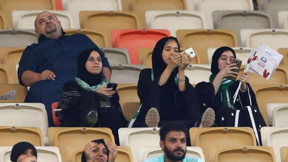 Histórico: mujeres saudíes pudieron ir a un estadio de fútbol