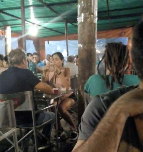 ¡Cero diva! Mirá a Pamela David comiendo en el Barloa