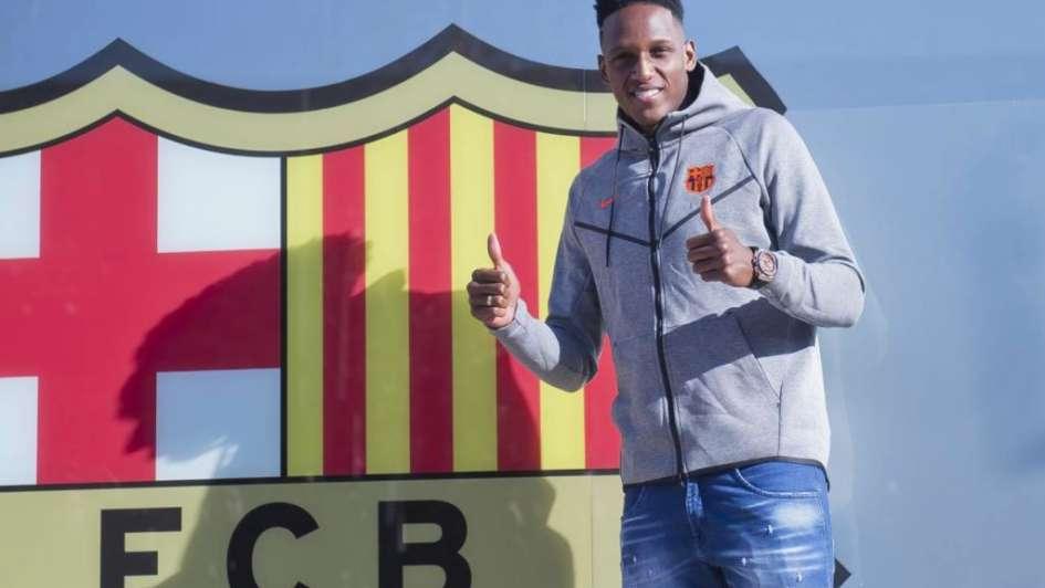 Yerry Mina llegó a Barcelona: