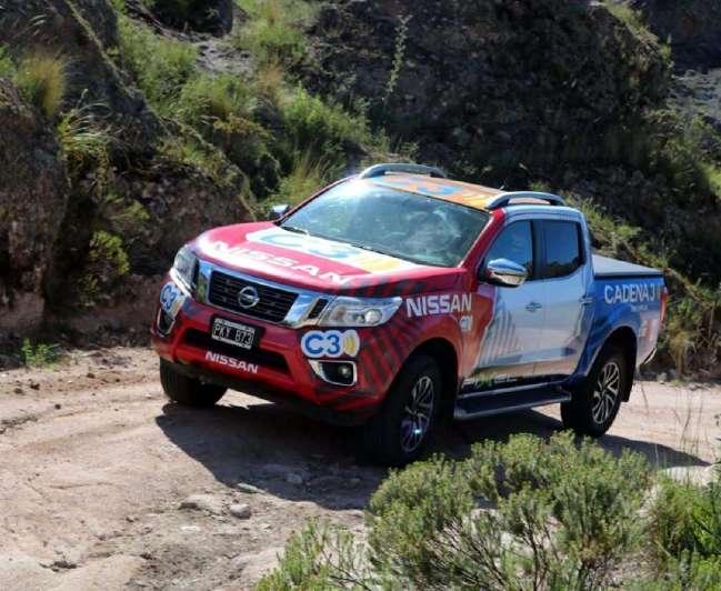 Dakar 2018: la Nissan junto a cadena 3