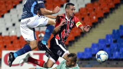 Típico partido de pretemporada disputaron Independiente y Huracán.