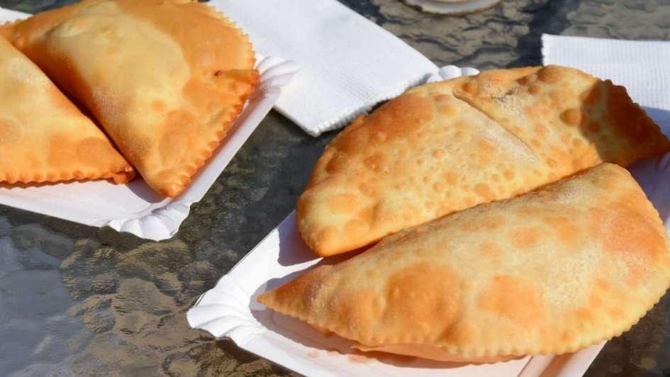 Extravagancia del verano: empanadas de queso y manjar en la costa chilena