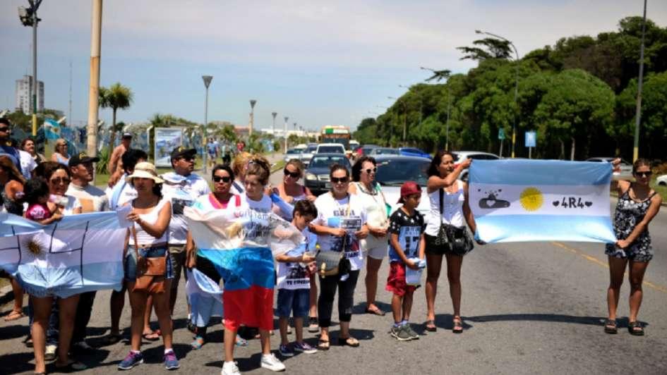 ARA San Juan: familiares de los 44 tripulantes piden reunirse con Macri