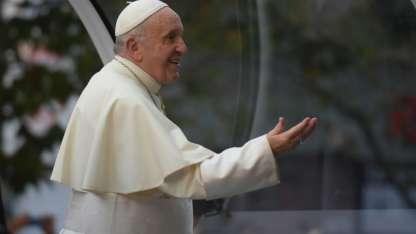 El Papa recorrió las calles de Santiago.