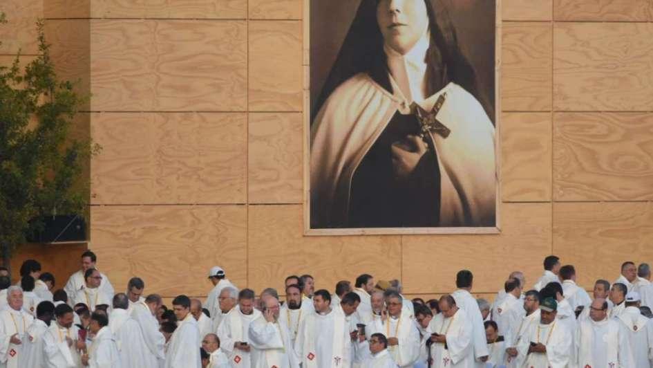 Francisco se hizo cargo de las críticas a la Iglesia
