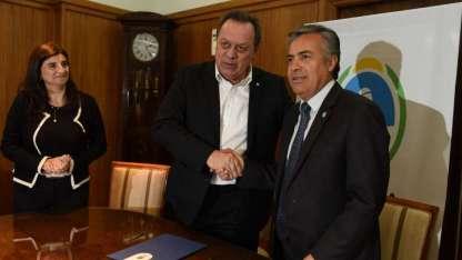 Santos y Cornejo están en España en la Fitur. Gabriela Testa se quedó en Mendoza