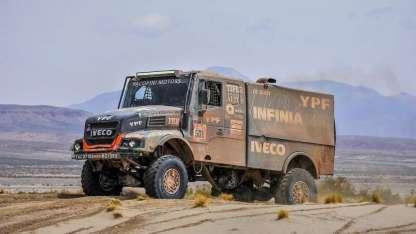 El camión de los argentinos descontó la mitad de la ventaja que le había sacado el ruso.