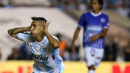 El jugador quería ponerse la camiseta de Boca, pero apareció Racing y se lo llevó.