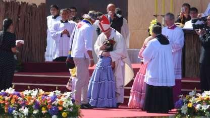 Representantes de pueblos originarios participaron de la segunda misa masiva, que congregó a más de 200.000 personas
