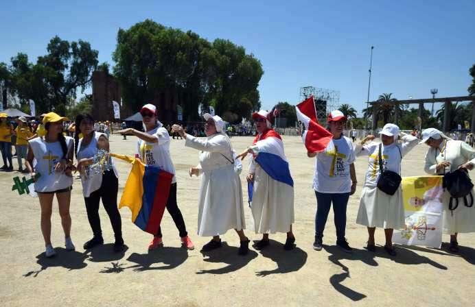 Papa Francisco oficia su primera gran misa en Perú
