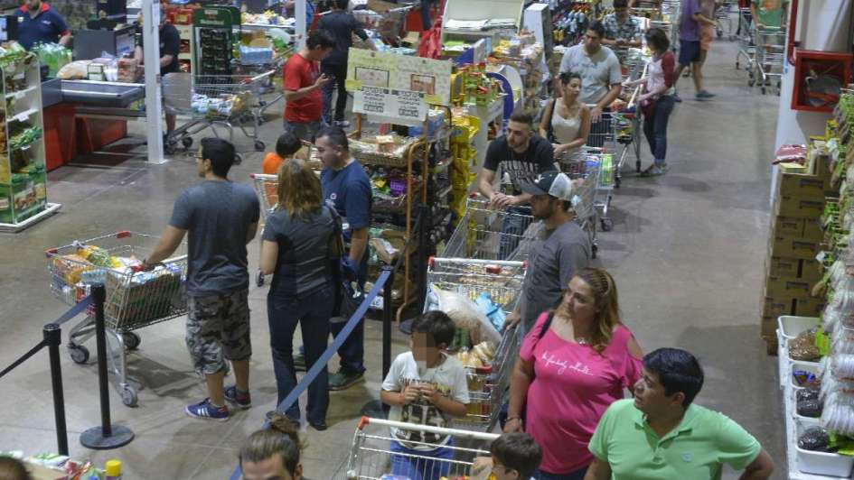 Crecieron las ventas en shoppings y supermercados